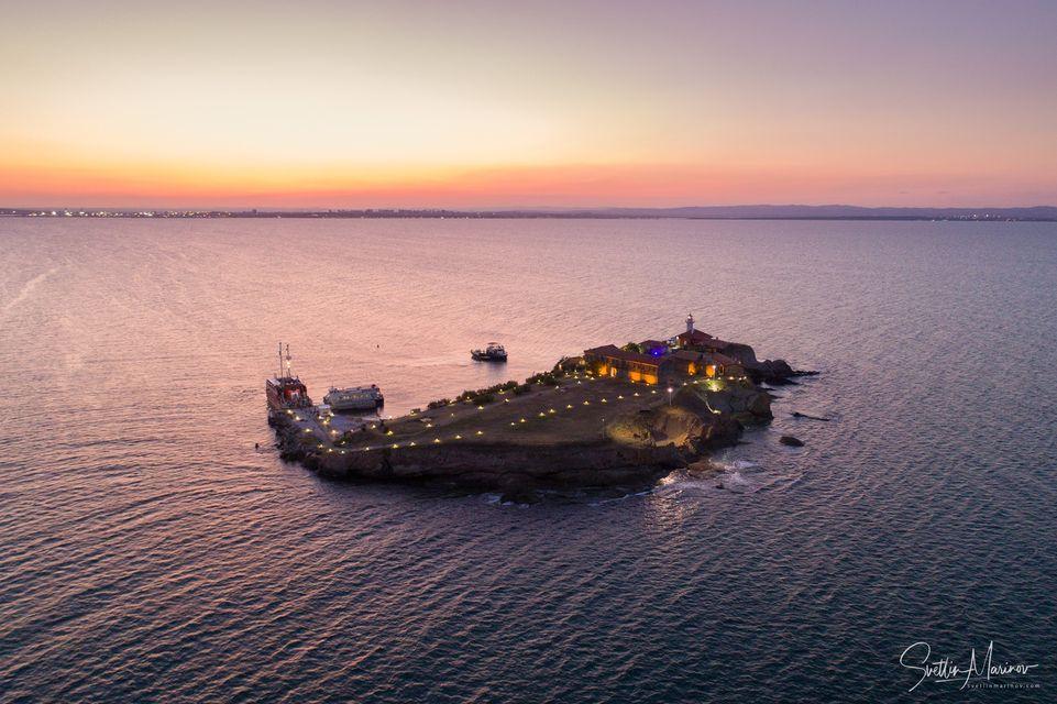 Romance on the Island - photo tour