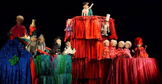 """""""Новите дрехи на краля""""-куклен спектакъл за деца"""