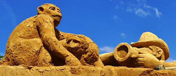"""Фестивал на пясъчните скулптури """"На сафари с фотоапарат"""""""