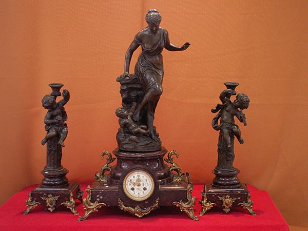 """Изложбата  """"Луксът на XIX век"""""""